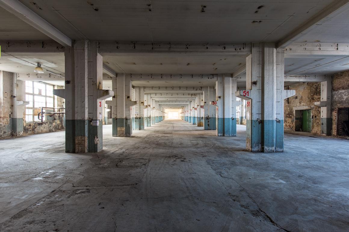 Ehemaliger-Großbetrieb-Lost Place-Mario Kegel-photokDE