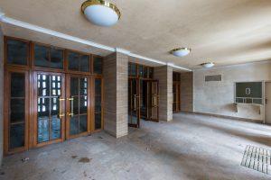 Kulturraum-Kultursaal-Eingangsbereich-Lost Place-Mario Kegel-photokDE