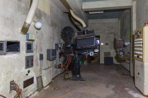 Kulturraum-Kultursaal-Kinovorführgerät-Lost Place-Mario Kegel-photokDE