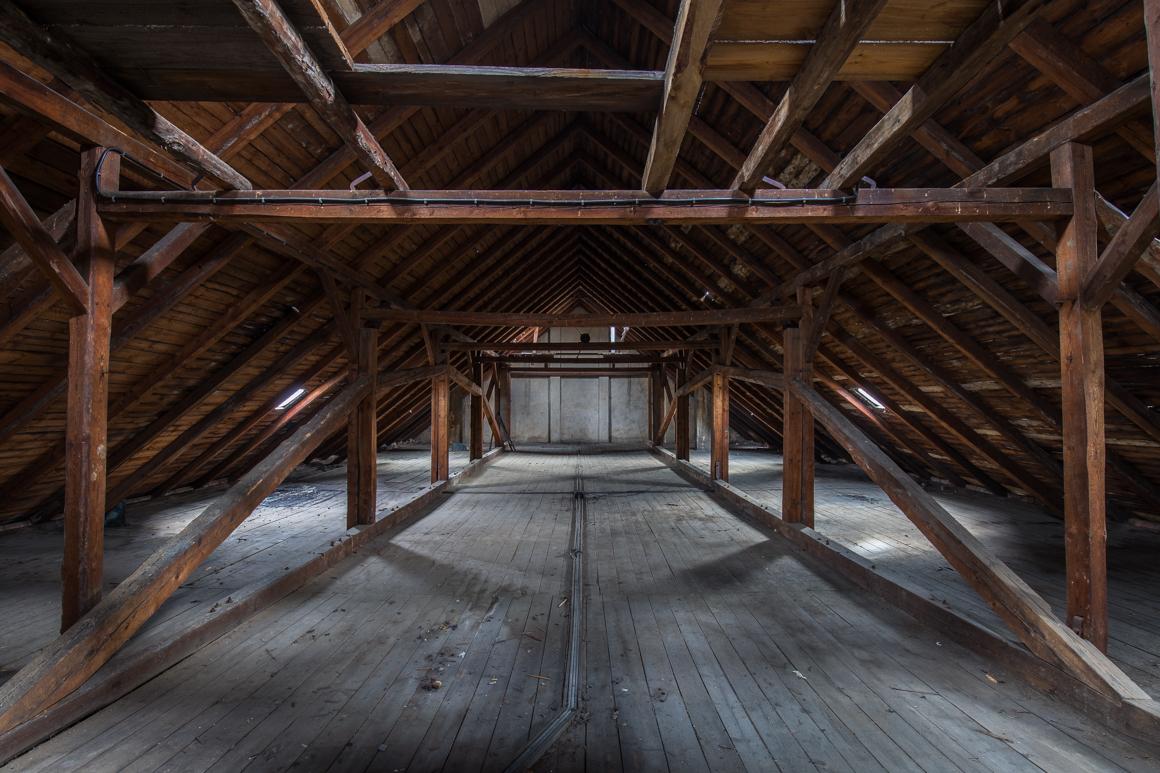 Gorknitz-Alter Gasthof-Saal-verlassener Ballsaal-Lost Place-Mario Kegel-photokDE