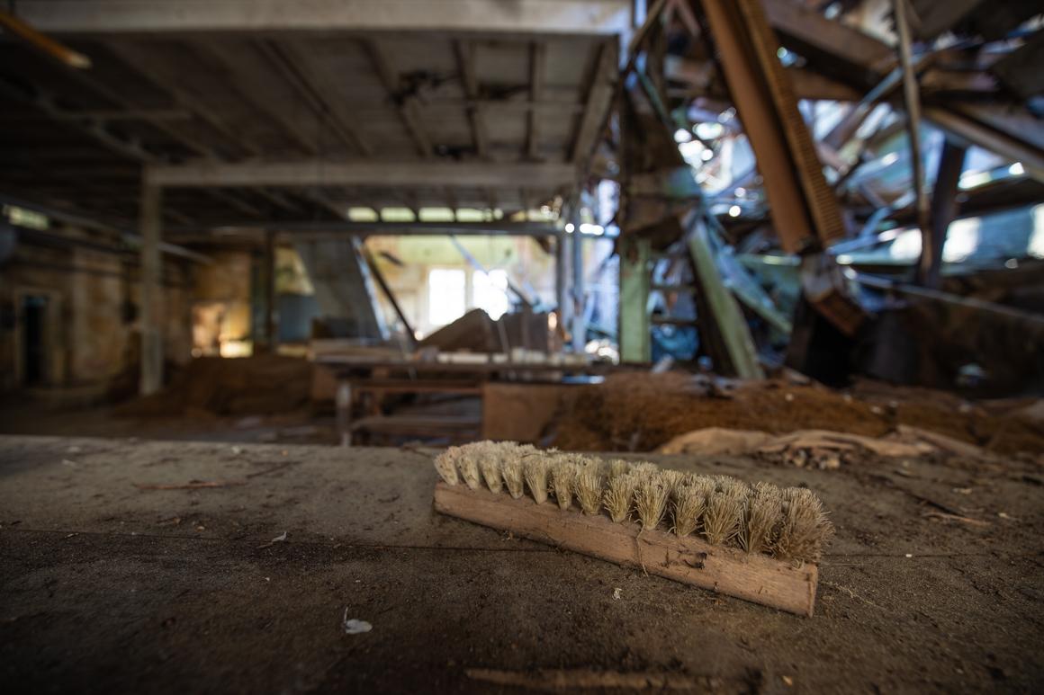 Vergessene Orte-Bootswerft-verlassene-Fabrik-Lost Place-Mario Kegel-photokDE