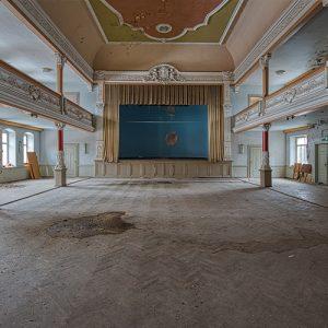 Kulturraum-Kultursaal-verlassener-ballsaal-Lost Place-Mario Kegel-photokDE